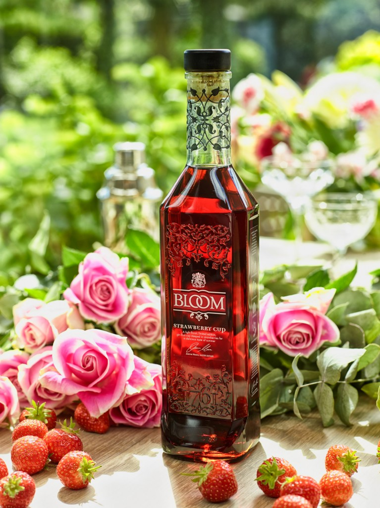 Bloom_Strawberry_Cup_Bottle