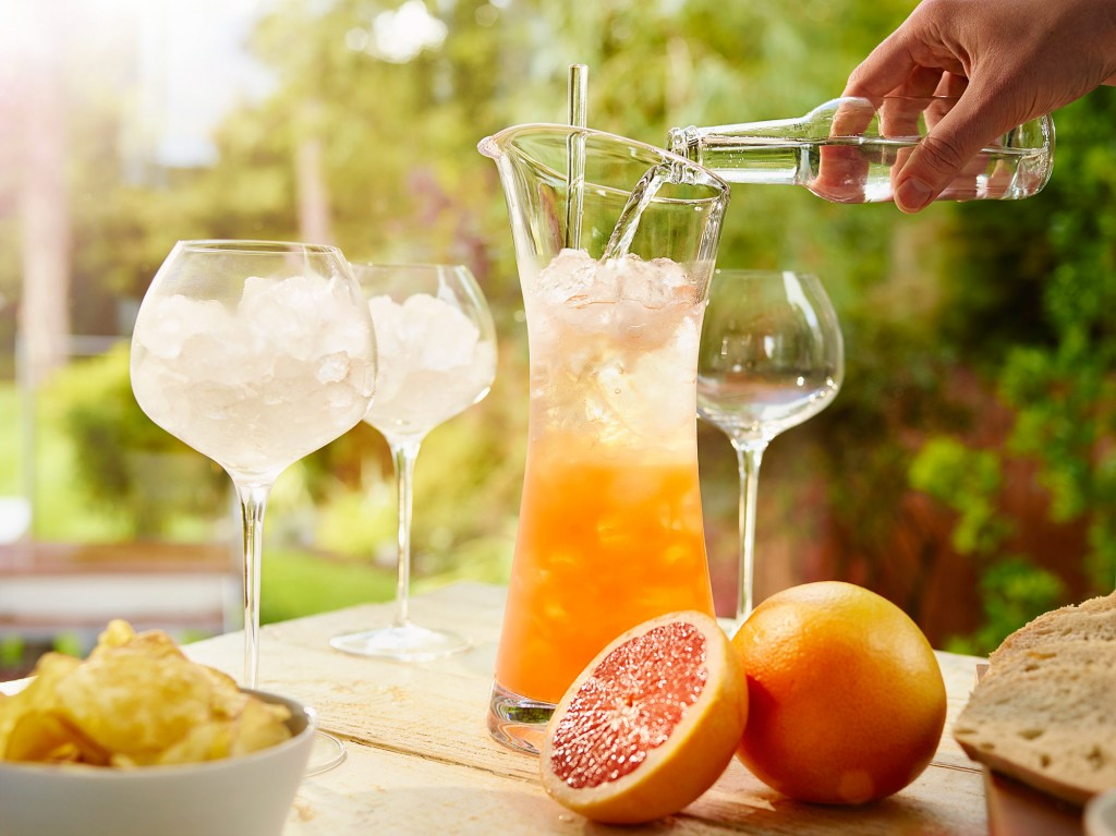 Tanqueray 10 Grapefruit Fizz A Ing 0362 Final v2 W1 | Diageo Summer Drinks