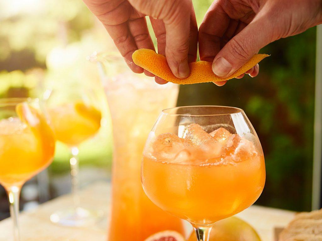 Tanqueray 10 Grapefruit Fizz B Craft 0409 Final W1 | Diageo Summer Drinks