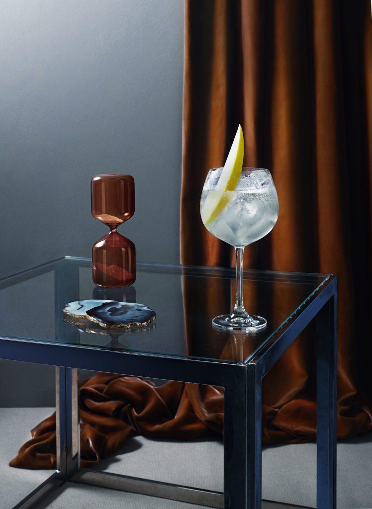 RL S3 Wyborowa w1f hourglass | Wyborowa Exquisite